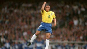 Hậu vệ Roberto Carlos